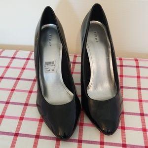 Re-Poshing patent leather heels